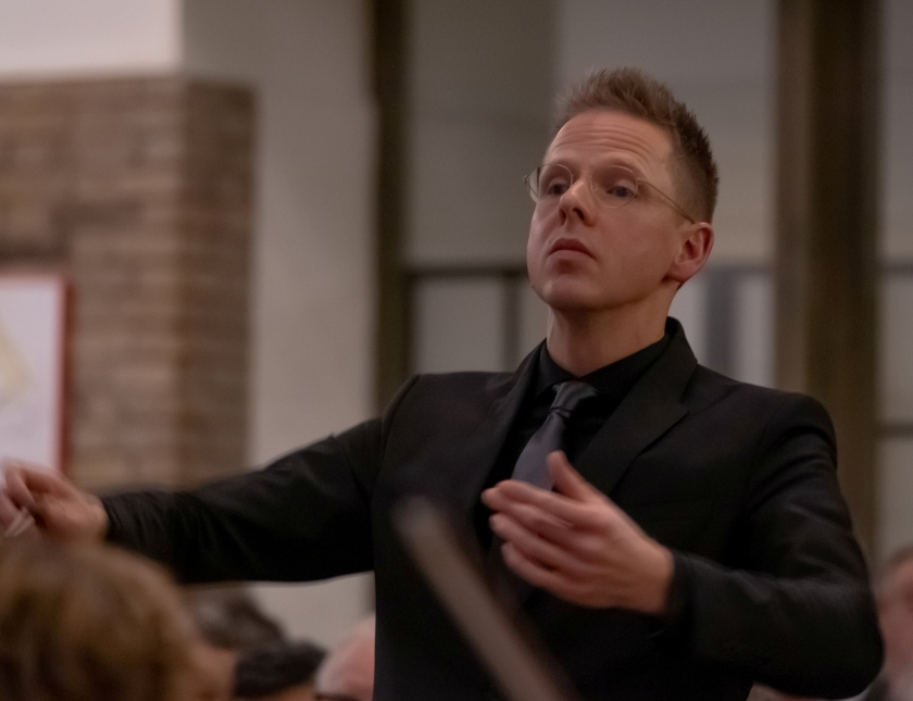 Mark Snitselaar conductor